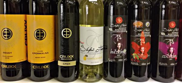 Hungaryan Fruit Wine/Magyar Gyümölcsborok